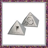 Pyramide Mini Urn_