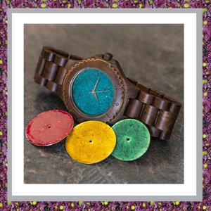 walnoothouten-gedenkhorloge-1915 watches-horloge met asverwerking-walnoot