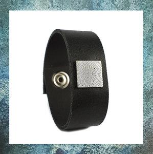 assieraden-vingerafdruk-zilveren plaatje-asjuweeltje-as-armband-leer-lederen