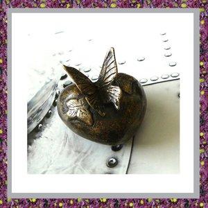 Bronzen Hart met Vlinders