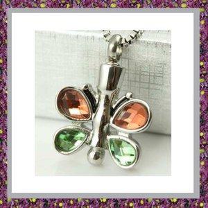 Vlinder met oranje en groen glas 05