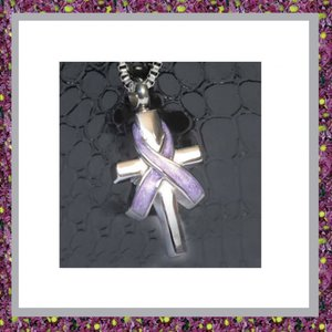 Kruis met paarse Ribbon 03