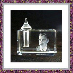 glasreliek-gedenkobject-presse-papier-3D-foto-gedenkgeschenk-ashouder